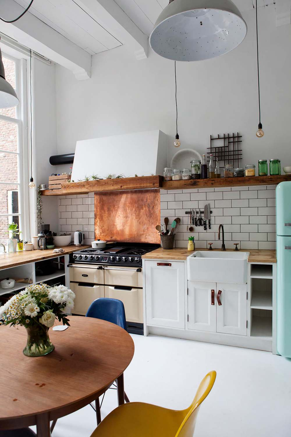 26. Beautiful Vintage Kitchen Style