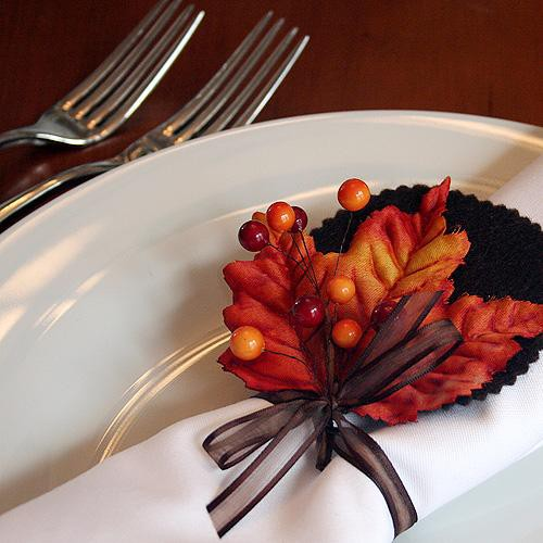 3. DIY Autumn Leaves Napkin Rings