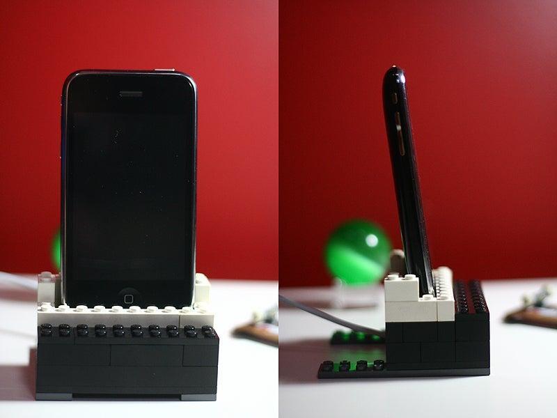 3. Lego iPhone Dock DIY