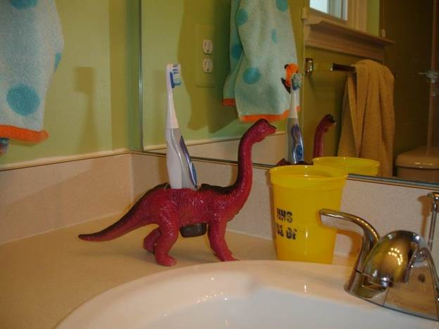 6. DIY Dinosaur Toothbrush Holder