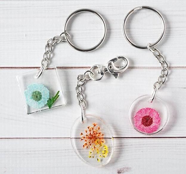 6. Resin Flower Keychain DIY