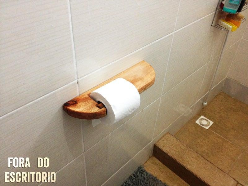 7. How To Make A Toilet Paper Holder Out Of Pallets