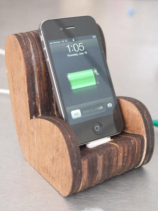 DIY iPhone Docks And Stands