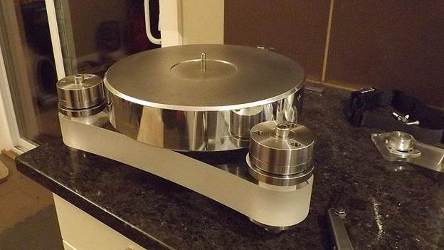 1-Awesome-DIY-Turntable