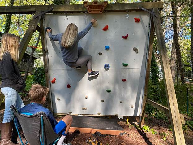 1-DIY-Rock-Climbing-Wall