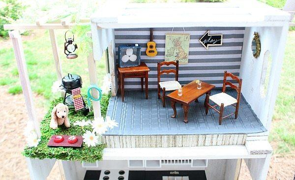 10-DIY-Dollhouse-From-Crates