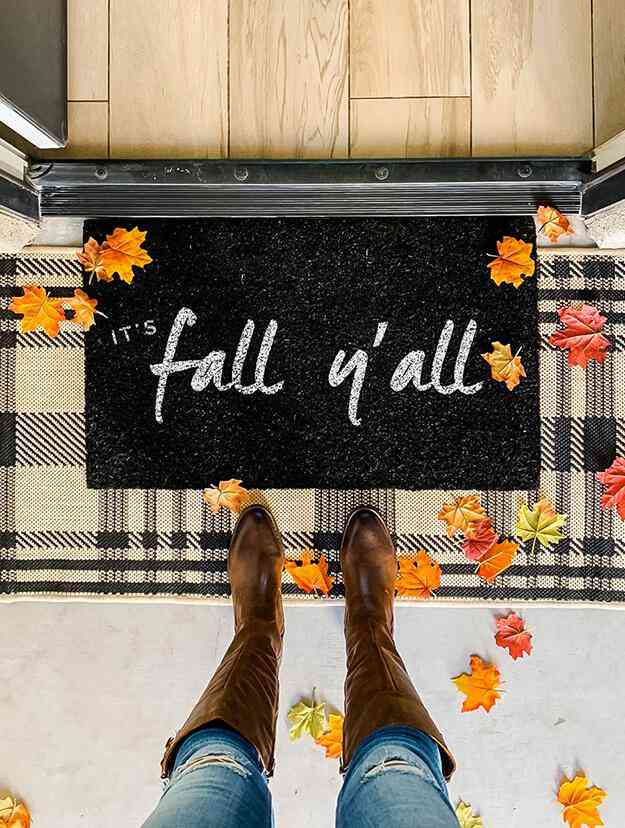 10-DIY-Fall-Doormat