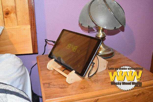 10-DIY-Wooden-Tablet-Stand