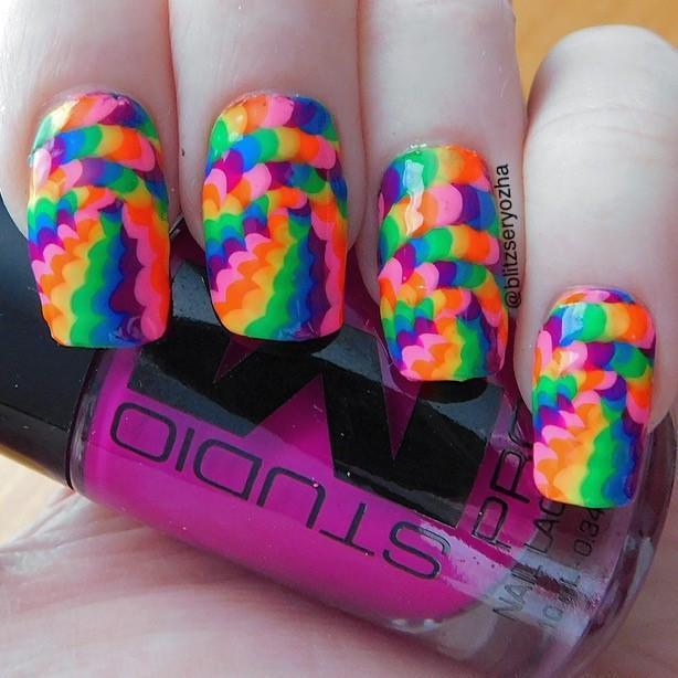 10-Optical-Illusion-Nail-Stickers-DIY