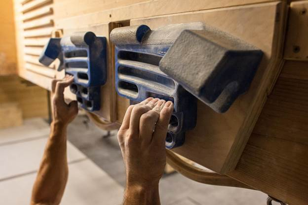 11-Making-A-Climbing-Hangboard