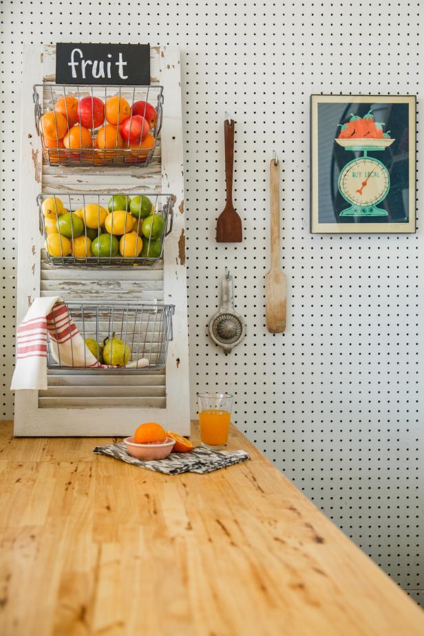 13-DIY-Shutter-Fruit-Basket