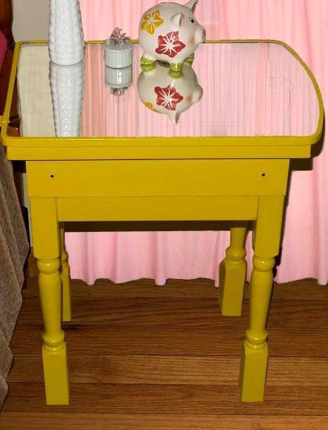 14-Vintage-Medicine-Cabinet-DIY