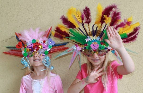 15-DIY-Mardi-Gras-Mask-For-Kids