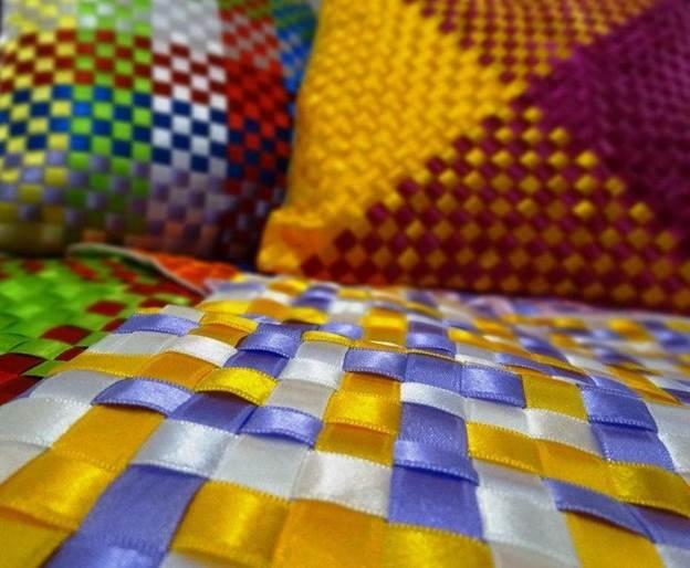 15-DIY-Ribbon-Cushions