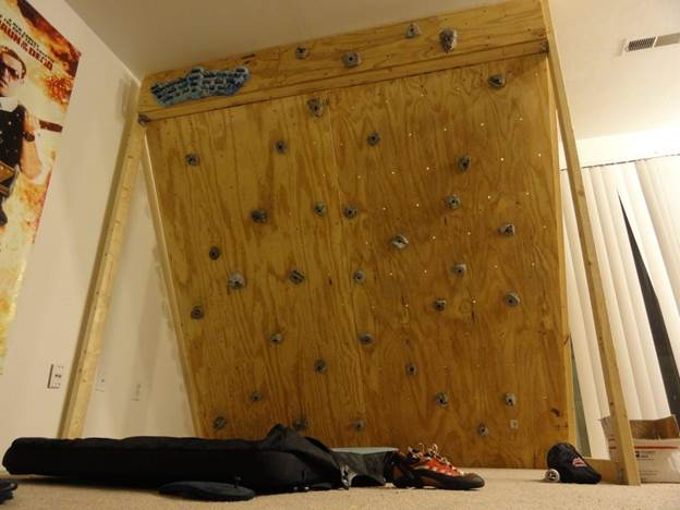 15-Freestanding-Indoor-Rock-Climbing-Wall-DIY