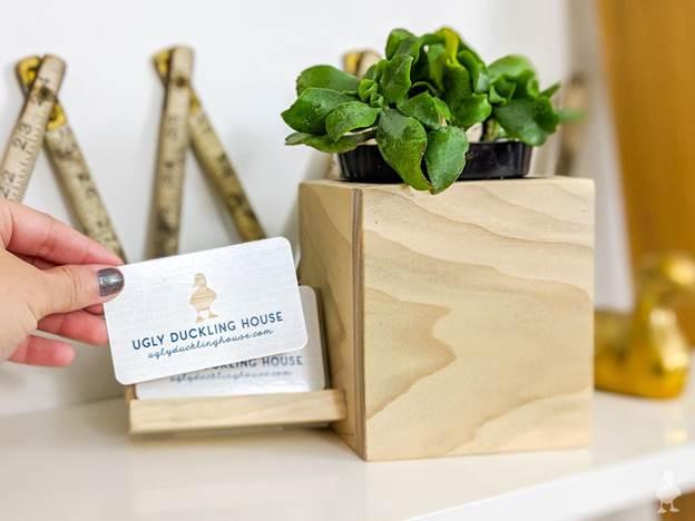 16-DIY-Desk-Planter-Card-Holder