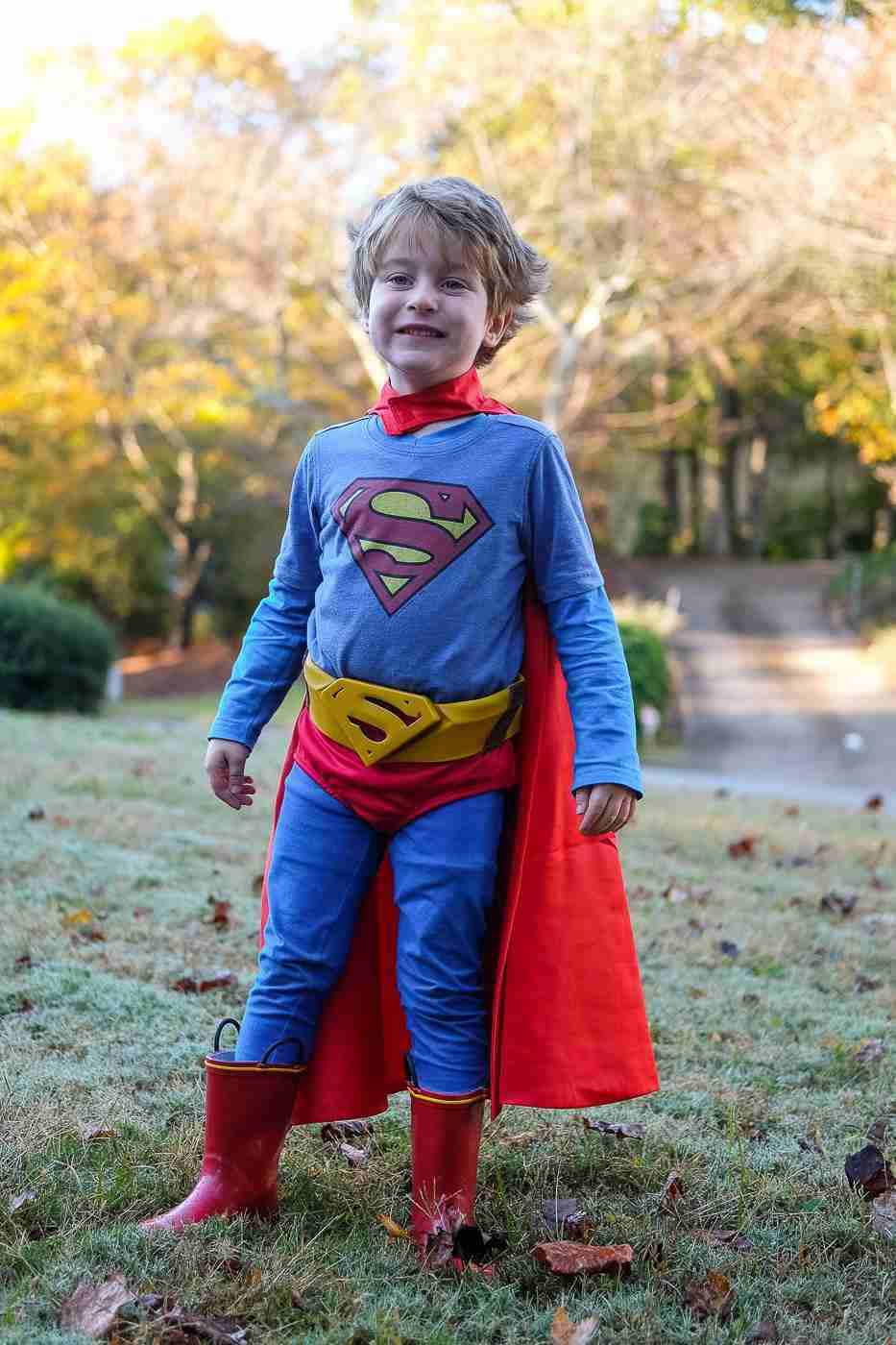 16-DIY-Superman-Costume-For-Kids