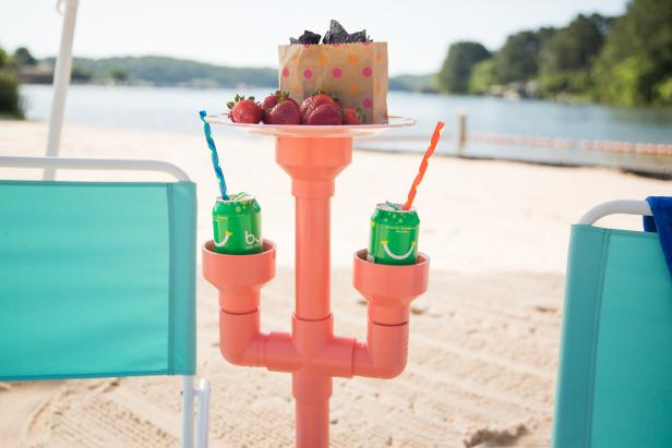 16-How-To-Make-A-Beach-Cup-Holder-Using-PVC