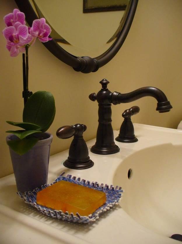 17-DIY-Plastic-Soap-Dish