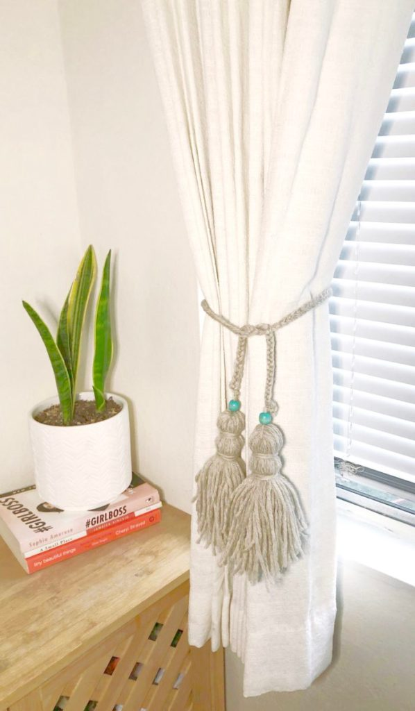 24 Diy Curtain Tie Back Projects How To Make A Curtain Tie Back
