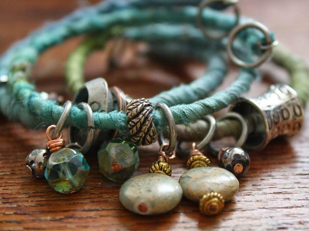 19-DIY-Ribbon-Textile-Bracelet