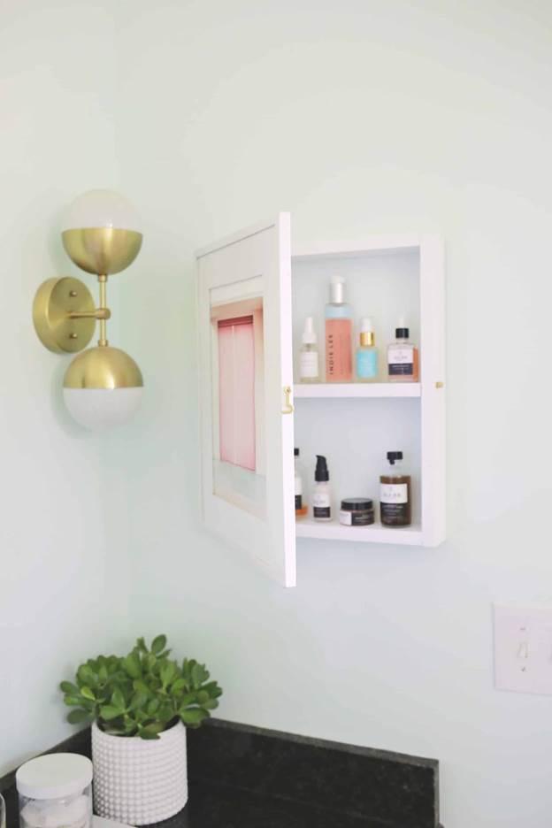 2-DIY-Hidden-Medicine-Cabinet