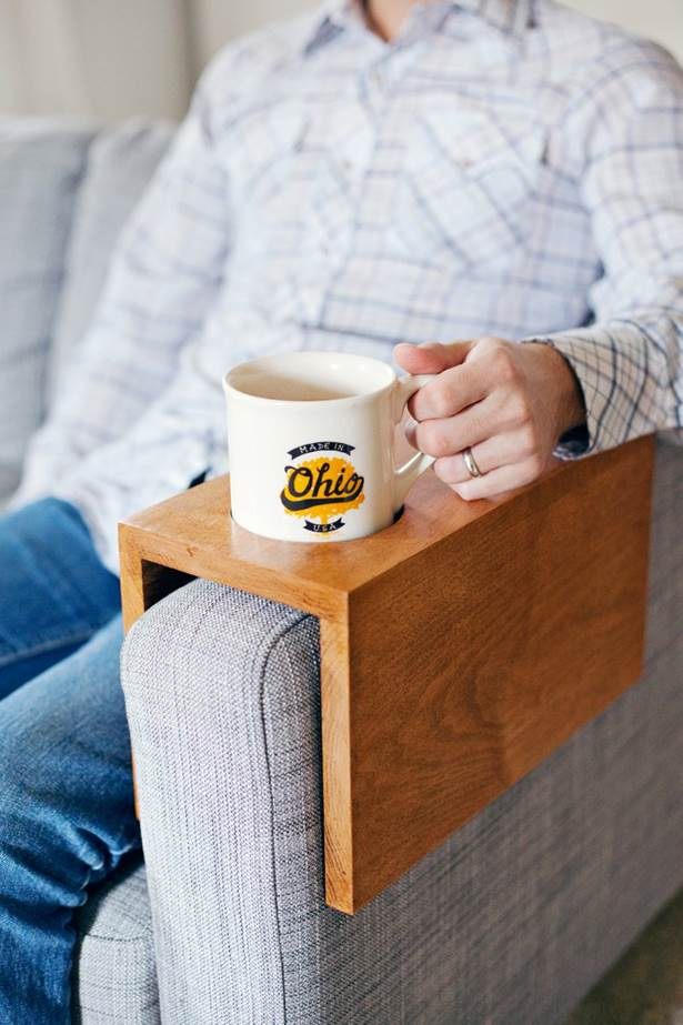 2-DIY-Wooden-Sofa-Cup-Holder