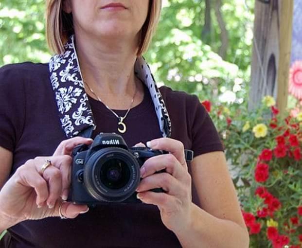2-How-To-Make-A-Camera-Strap