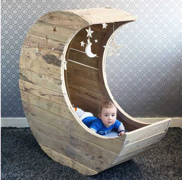 20-DIY-Baby-Moon-Cradle