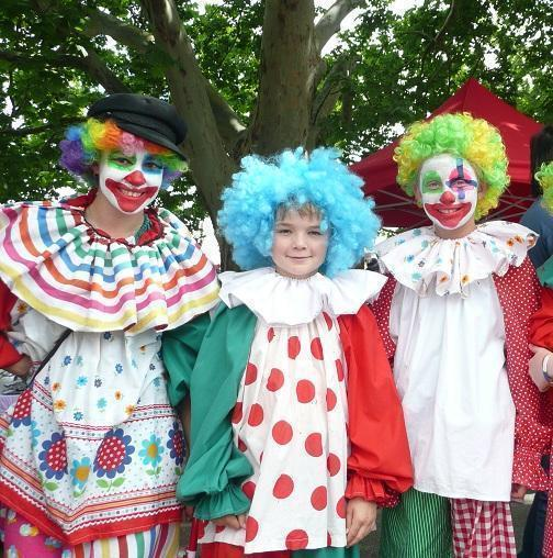 23-How-To-Make-A-Clown-Costume