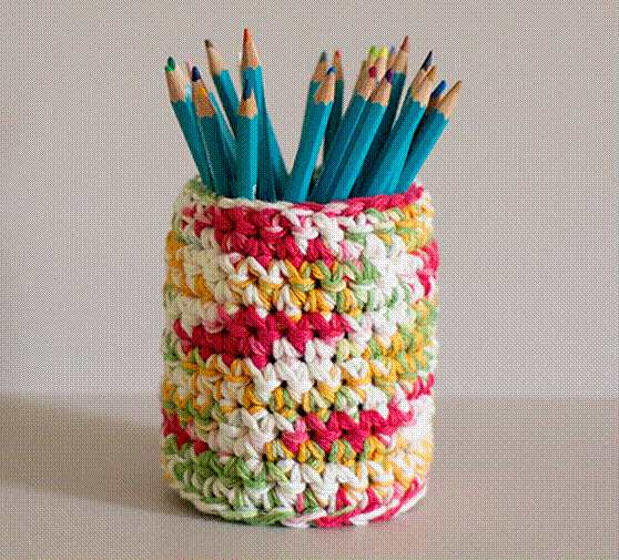 23-Knit-And-Crochet-Pencil-Holder