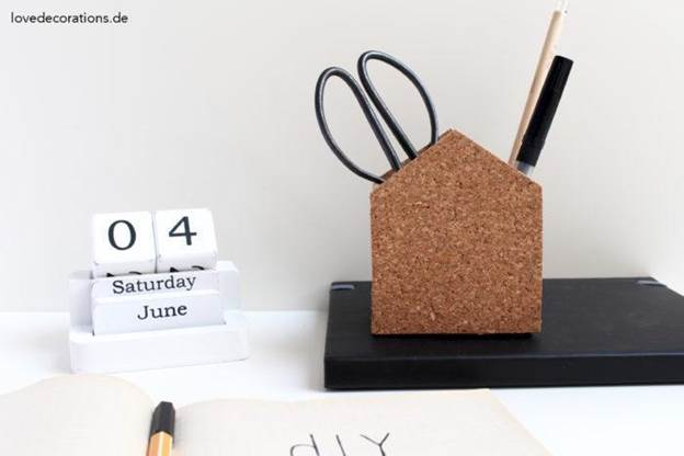 3-DIY-Cork-Pencil-Holder
