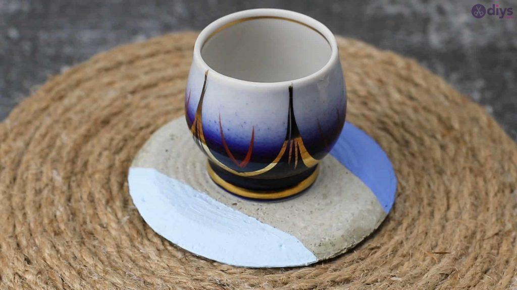 4-DIY-Concrete-Cup-Holder