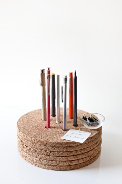 4-DIY-Pencil-Holder-With-Cork