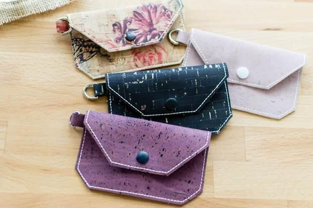 5-DIY-Cork-Fabric-Wallet