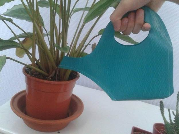 5-Foldable-Watering-Can