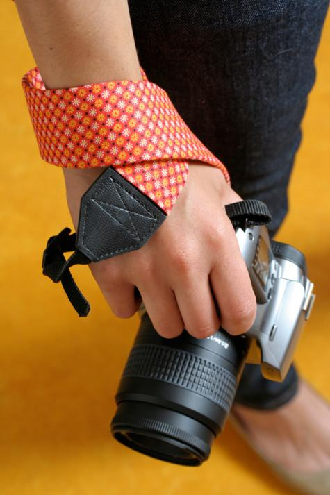 6-DIY-Camera-Strap-Cover