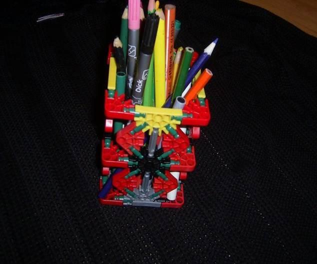 6-DIY-Knex-Pencil-Holder
