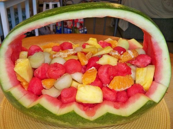 6-Watermelon-Fruit-Basket-DIY