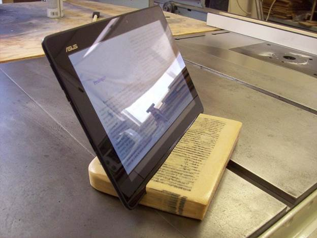 7-DIY-Book-To-Tablet-Stand