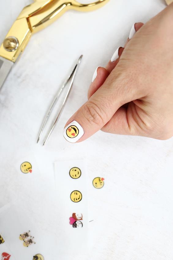 7-DIY-Emoji-Nail-Decals