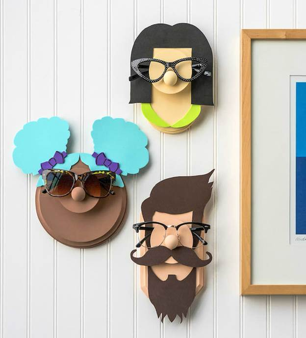 7-DIY-Sunglasses-Holder-With-Fun-Faces