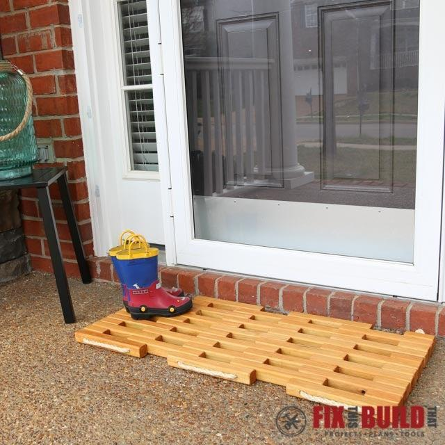 7-DIY-Wooden-Doormat
