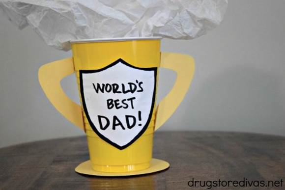 7-Easy-Worlds-Best-DAD-Trophy-DIY