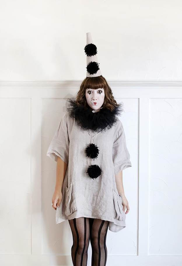 8-DIY-Vintage-Clown-Costume
