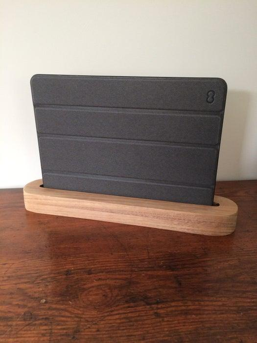 8-DIY-Wooden-Tablet-Stand