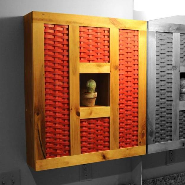8-Reclaimed-Wood-And-Plastic-Medicine-Cabinet