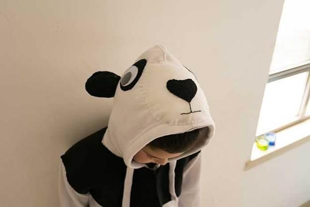9-DIY-Panda-Costume