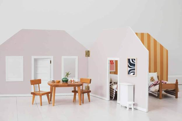 9-How-To-Make-A-Fold-Away-Doll-House