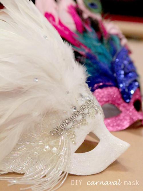 DIY Mardi Gras Mask